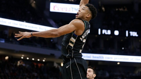 <p>               Milwaukee Bucks' Giannis Antetokounmpo dunks against the Charlotte Hornets during the second half of an NBA basketball game Friday, Jan. 25, 2019, in Milwaukee. (AP Photo/Jeffrey Phelps)             </p>