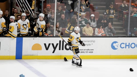 <p>               Pittsburgh Penguins left wing Jake Guentzel celebrates after scoring a hat trick against the Anaheim Ducks, during the third period of an NHL hockey game in Anaheim, Calif., Friday, Jan. 11, 2019. The Penguins won 7-4. (AP Photo/Chris Carlson)             </p>