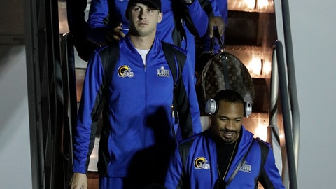 <p>               Los Angeles Rams' Jared Goff gets off the team charter as they arrive at the Hartsfield-Jackson Atlanta International Airport for the NFL Super Bowl 53 football game Sunday, Jan. 27, 2019, in Atlanta. (AP Photo/David J. Phillip)             </p>