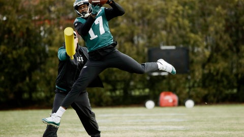<p>               Philadelphia Eagles' Alshon Jeffery catches a pass during practice at the team's NFL football training facility in Philadelphia, Thursday, Jan. 3, 2019. (AP Photo/Matt Rourke)             </p>