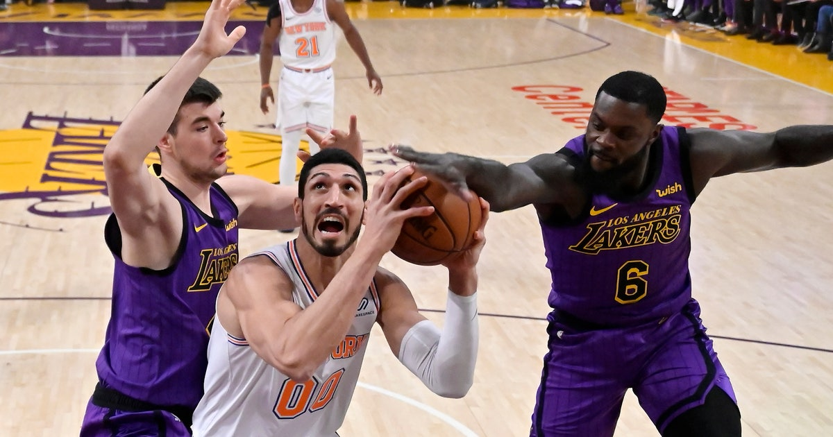 c749a3ccd11 Knicks snap 8-game skid with 119-112 win over Lakers