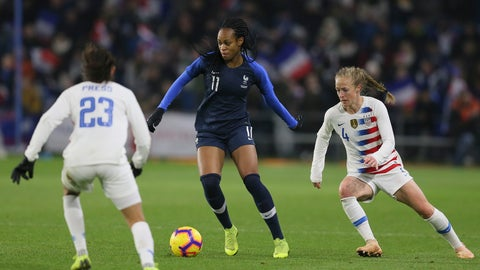 <p>               France forward Marie-Antoinette Katoto, centre, vies for the ball with US forward Christen Press, left, and defender Becky Sauerbrunn during a women's international friendly soccer match between France and United States at the Oceane stadium in Le Havre, France, Saturday, Jan. 19, 2019. Katoto scored once in France's 3-1 victory. (AP Photo/David Vincent)             </p>