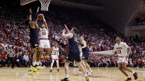 <p>               Indiana's Rob Phinisee (10) shoots against Michigan's Jordan Poole (2) during the second half of an NCAA college basketball game Friday, Jan. 25, 2019, Bloomington, Ind. Michigan won 69-46. (AP Photo/Darron Cummings)             </p>