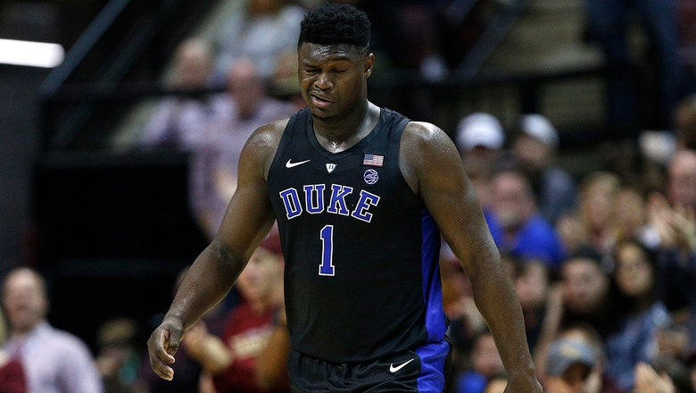 Zion Williamson leaves game with apparent eye injury