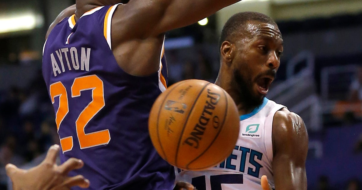 3587ee19b739 Kemba Walker puts Hornets on his back in win over Suns