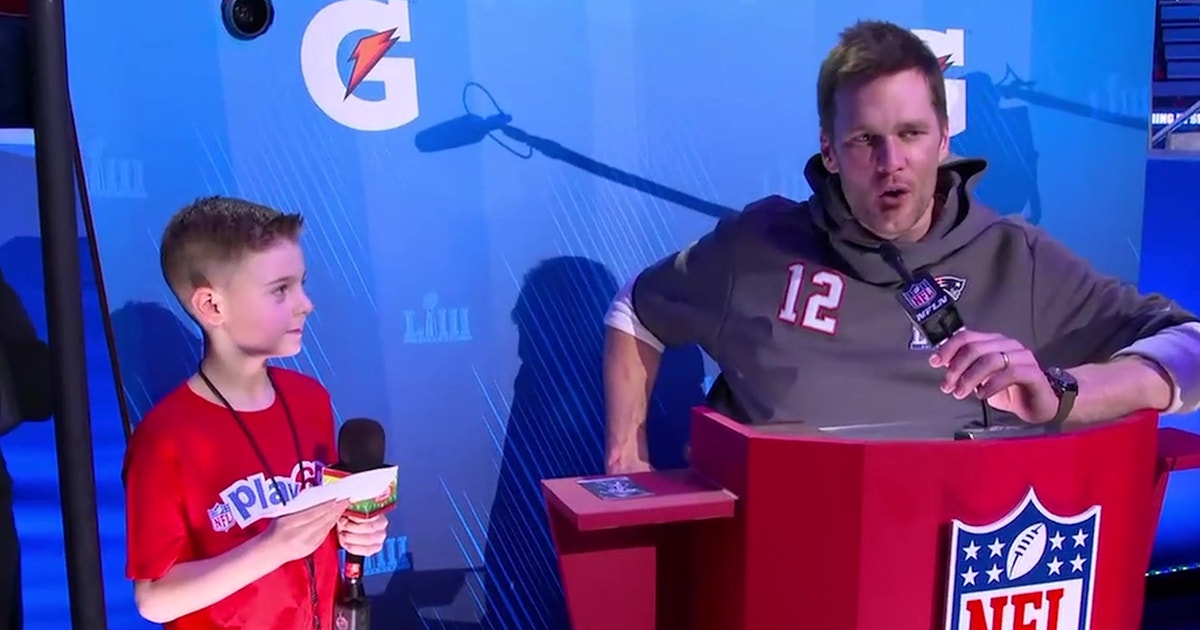 Tom Brady Tells Young Fan How To Handle Haters Love Them Fox Sports