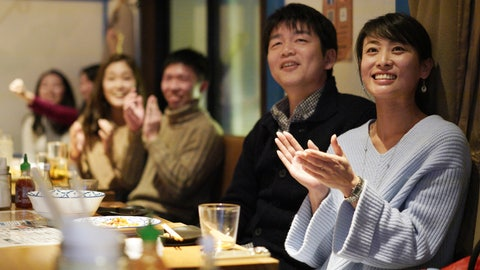 <p>               Fans at a restaurant in Tokyo celebrate as Japan's Naomi Osaka wins against Czech Republic's Petra Kvitova at the Australian Open tennis women's final on Saturday, Jan. 26, 2019. (AP Photo/Eugene Hoshiko)             </p>