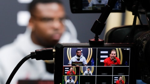 <p>               Alabama's Damien Harris answers questions during media day for the NCAA college football playoff championship game Saturday, Jan. 5, 2019, in Santa Clara, Calif. (AP Photo/Chris Carlson)             </p>