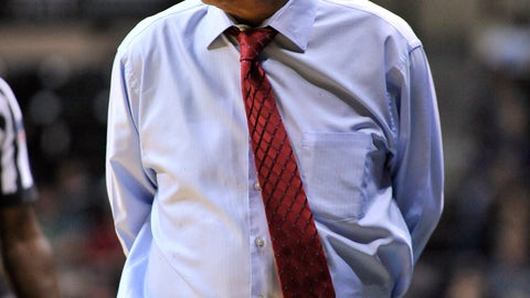 <p>               Houston coach Kelvin Sampson paces the sideline during the first half of the team's NCAA college basketball game against South Florida on Saturday, Jan. 19, 2019 in Tampa, Fla. (AP Photo/Steve Nesius)             </p>