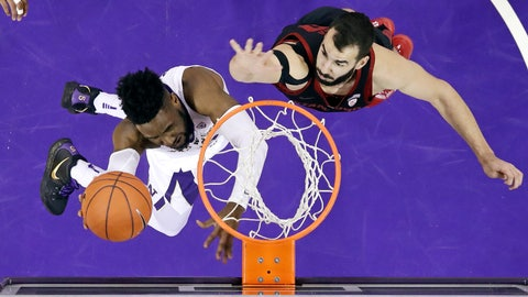 <p>               Washington's Jaylen Nowell, left, shoots and scores as Stanford's Josh Sharma defends during the first half of an NCAA college basketball game Thursday, Jan. 17, 2019, in Seattle. (AP Photo/Elaine Thompson)             </p>