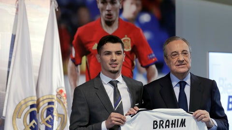 <p>               Newly signed Real Madrid soccer player Brahim Diaz, holds his new jersey next to Real Madrid's President Florentino Perez at the Bernabeu stadium in Madrid, Spain, Monday, Jan. 7, 2019. Real Madrid has signed Brahim Diaz from Manchester City after the 19-year-old winger failed to get enough first-team opportunities at the Premier League champions. Madrid announced the arrival of Diaz on Sunday, saying he signed a contract until 2025. (AP Photo/Manu Fernandez)             </p>