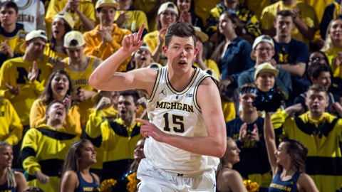 <p>               Michigan center Jon Teske (15) reacts after making a basket in the first half of an NCAA college basketball game against Northwestern at Crisler Center in Ann Arbor, Mich., Sunday, Jan. 13, 2019. (AP Photo/Tony Ding)             </p>