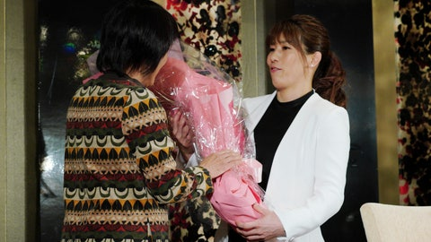 <p>               Japan's three-time Olympic wrestling champion Saori Yoshid, right, receives a bouquet of flowers by her mother Yukiyo Yoshida at the end of her press conference in Tokyo Thursday, Jan. 10, 2019. Yoshida announced her retirement, saying it's time for the next generation of wrestlers to take the stage at the 2020 Tokyo Olympics. (AP Photo/Eugene Hoshiko)             </p>
