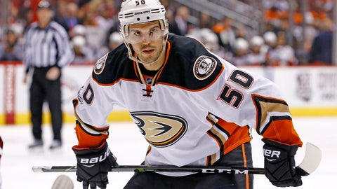 <p>               FILE - In this Jan. 14, 2017, file photo, Anaheim Ducks center Antoine Vermette pauses before a faceoff during the first period of an NHL hockey game against the Arizona Coyotes in Glendale, Ariz. Vermette announced his retirement Thursday, Jan. 31, 2019, after playing 14 NHL seasons and establishing himself as one of the best faceoff men of his generation.   (AP Photo/Ross D. Franklin, FIle)             </p>