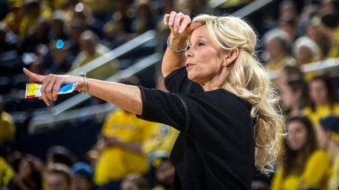 <p>               Michigan State head coach Suzy Merchant gestures from courtside in the first half of an NCAA college basketball game against Michigan at Crisler Center in Ann Arbor, Mich., Sunday, Jan. 27, 2019. (AP Photo/Tony Ding)             </p>