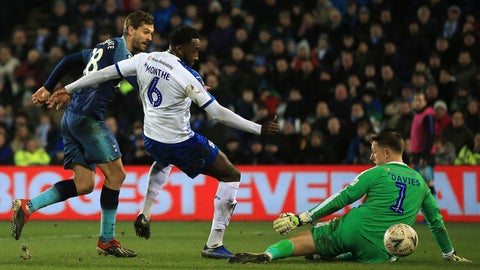 <p>               Tottenham's Fernando Llorente, left, scores his side's fifth goal during the English FA Cup third round soccer match between Tranmere Rovers and Tottenham Hotspur at Prenton Park stadium in Birkenhead, England, Friday, Jan. 4, 2019.(AP Photo/Jon Super)             </p>