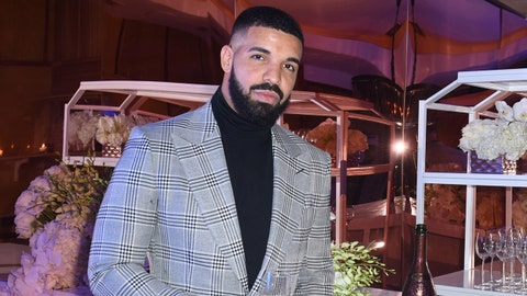 LOS ANGELES, CA - DECEMBER 31:  Drake attends The Mod Sèlection Champagne New Years Party Hosted By Drake And John Terzian at Delilah on December 31, 2018 in Los Angeles, California.  (Photo by Vivien Killilea/Getty Images for The h.wood Group)