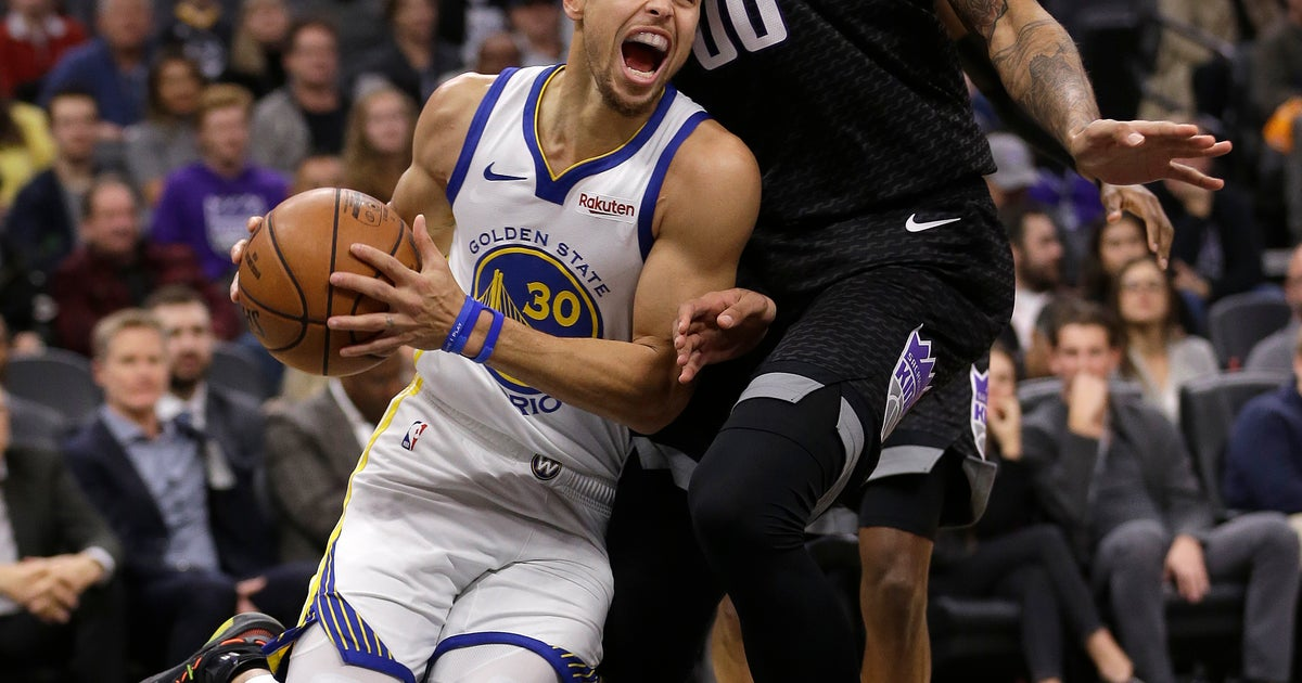 3de2cd7f Curry scores 42 points, Warriors hold off Kings 127-123 | FOX Sports
