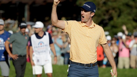 <p>               Justin Rose, of England, celebrates his win on the 18th green of the South Course at Torrey Pines golf course after winning the Farmers Insurance golf tournament Sunday, Jan. 27, 2019, in San Diego. (AP Photo/Gregory Bull)             </p>