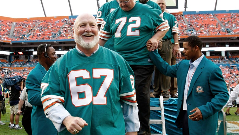 Former Dolphins guard Bob Kuechenberg dies at age 71