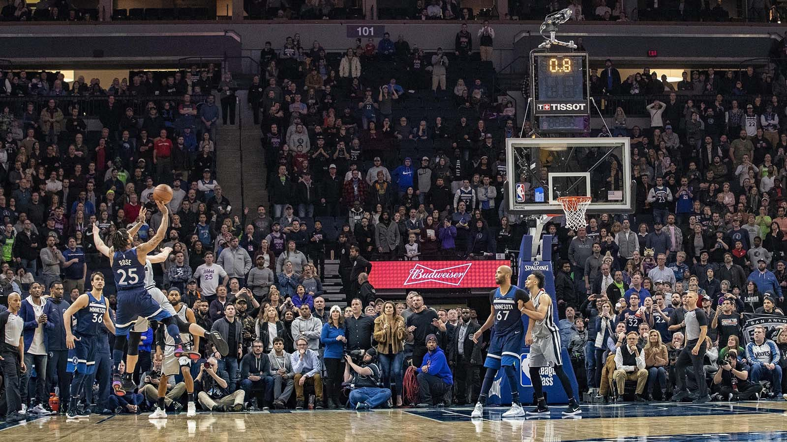 Rose misses game-tying 3, Timberwolves lose at home to Spurs | FOX