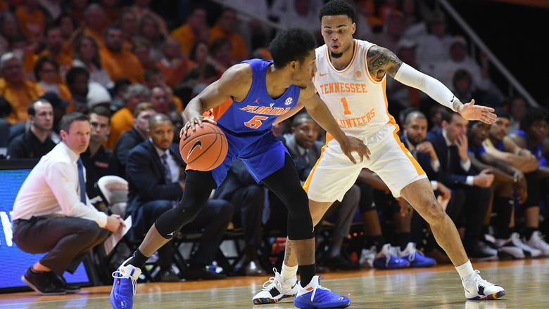 Noah Locke scores game-high 17, but Gators overwhelmed in loss to No. 1 Tennessee