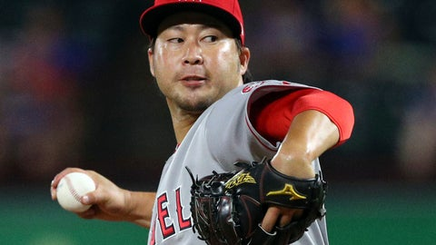 <p>               FILE - In this Tuesday, Sept. 4, 2018 file photo, Los Angeles Angels relief pitcher Junichi Tazawa (47) works the seventh inning against the Texas Rangers in a baseball game in Arlington, Texas. Reliever Junichi Tazawa has finalized a minor league contract with the Chicago Cubs and will report to big league spring training. If added to the 40-man roster, Tazawa would receive a one-year contract paying $800,000 while in the major leagues. He could earn $450,000 in performance bonuses for games pitched and $750,000 for games finished. The 32-year-old right-hander was with a 7.07 ERA in 31 games last season for Miami and the Los Angeles Angels. (AP Photo/Richard W. Rodriguez, File)             </p>