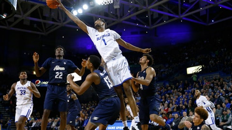 <p>               Buffalo forward Montell McRae (1) reaches for the ball against Akron during the first half of an NCAA college Basketball game, Tuesday, Feb. 26, 2019, in Buffalo N.Y. (AP Photo/Jeffrey T. Barnes)             </p>