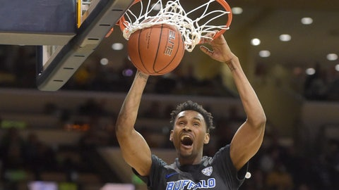 <p>               Buffalo forward Montell McRae dunks against Toledo in the first half of an NCAA college basketball game Friday, Feb. 15, 2019, in Toledo, Ohio. (AP Photo/David Richard)             </p>