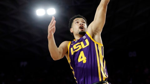 <p>               LSU guard Skylar Mays (4) scores as Georgia guard William Jackson II (0) looks on during the first half of an NCAA college basketball game Saturday, Feb. 16, 2019, in Athens, Ga. (AP Photo/John Bazemore)             </p>