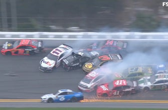 Jimmie Johnson triggers massive wreck at the end of The Clash | FOX NASCAR