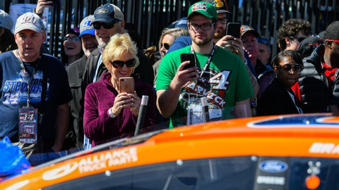 <p>               Fans watch as Brad Keselowski's car makes its way to inspection before a NASCAR Monster Energy NASCAR Cup Series auto race at Atlanta Motor Speedway, Sunday, Feb. 24, 2019, in Hampton, Ga. (AP Photo/John Amis)             </p>
