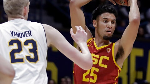 <p>               Southern California's Bennie Boatwright, right, looks to pass the ball away from California's Connor Vanover (23) in the first half of an NCAA college basketball game Saturday, Feb. 16, 2019, in Berkeley, Calif. (AP Photo/Ben Margot)             </p>