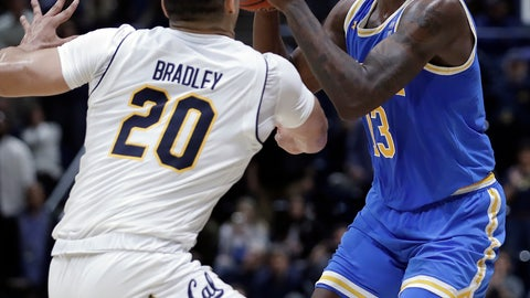 <p>               UCLA's Kris Wilkes, right, looks to shoot as California's Matt Bradley defends during the second half of an NCAA college basketball game Wednesday, Feb. 13, 2019, in Berkeley, Calif. (AP Photo/Ben Margot)             </p>