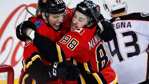 <p>               Calgary Flames' Andrew Mangiapane, right, celebrates his goal against the Anaheim Ducks with teammate Garnet Hathaway during the third period of an NHL hockey game Friday, Feb. 22, 2019, in Calgary, Alberta. (Jeff McIntosh/The Canadian Press via AP)             </p>