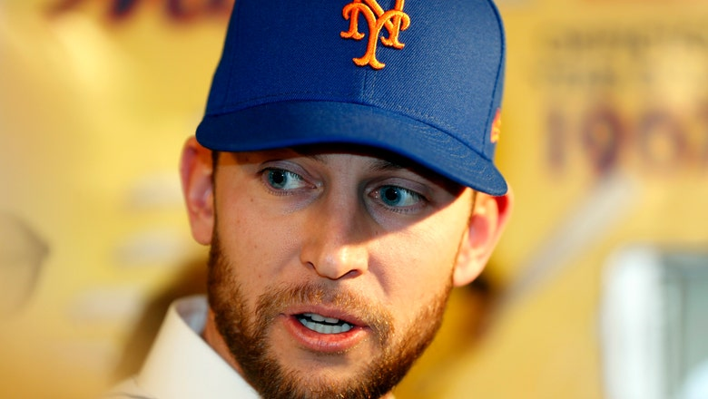 Mets' infielder Jed Lowrie to have MRI of left knee