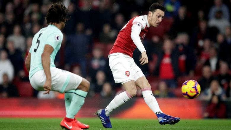 Ozil shines as Arsenal beats Bournemouth 5-1 in EPL