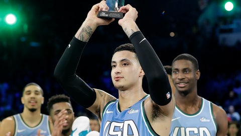 <p>               U.S. Team's Kyle Kuzma, of the Los Angeles Lakers holds the MVP trophy after the NBA All-Star Rising Stars basketball game between the World Team and the U.S. Team, Friday, Feb. 15, 2019, in Charlotte, N.C. The U.S. Team won 161-144. (AP Photo/Chuck Burton)             </p>