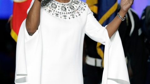 <p>               Gladys Knight sings the national anthem before the NFL Super Bowl 53 football game between the Los Angeles Rams and the New England Patriots Sunday, Feb. 3, 2019, in Atlanta. (AP Photo/David J. Phillip)             </p>