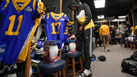 <p>               Los Angeles Rams wide receiver Josh Reynolds cleans out his locker at the team's training camp Tuesday, Feb. 5, 2019, in Thousand Oaks, Calif. (AP Photo/Mark J. Terrill)             </p>