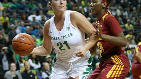 <p>               Oregon's Erin Boley, left, passes the ball under pressure from Southern California's Asiah Jones during the fourth quarter of an NCAA college basketball game Sunday, Feb. 24, 2019, in Eugene, Ore. (AP Photo/Chris Pietsch)             </p>
