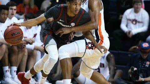<p>               Auburn forward Chuma Okeke, right,  pressures Arkansas guard Isaiah Joe, left, during the first half of an NCAA college basketball game Wednesday, Feb. 20, 2019, in Auburn, Ala. (AP Photo/Julie Bennett)             </p>