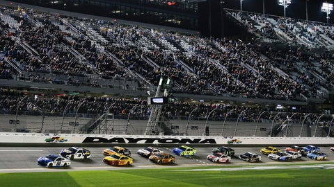 <p>               Alex Bowman (88) leads Chase Elliott (9), Joey Logano (22) and the rest of the field to start the second of two qualifying auto races for the NASCAR Daytona 500 at Daytona International Speedway, Thursday, Feb. 14, 2019, in Daytona Beach, Fla. (AP Photo/Terry Renna)             </p>