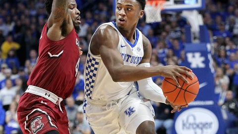 <p>               Kentucky's Ashton Hagans, right, passes around South Carolina's Tre Campbell during the first half of an NCAA college basketball game in Lexington, Ky., Tuesday, Feb. 5, 2019. (AP Photo/James Crisp)             </p>