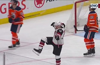 HIGHLIGHTS: Hinostroza, Coyotes take down Oilers in shootout