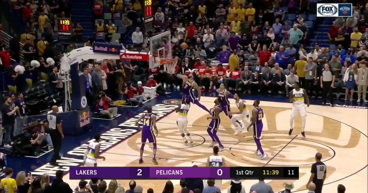 b362442e5d5 WATCH  Jrue Holiday helps Pelicans 128-115 over Lakers