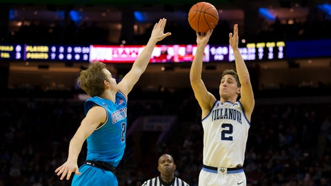 PHILADELPHIA, PA - FEBRUARY 03: Collin Gillespie #2 of the Villanova Wildcats shoots the ball against Mac McClung #2 of the Georgetown Hoyas in the second half at the Wells Fargo Center on February 3, 2019 in Philadelphia, Pennsylvania. Villanova defeated Georgetown 77-65. (Photo by Mitchell Leff/Getty Images)