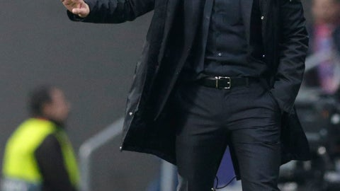 <p>               Atletico coach Diego Simeone reacts to his players, during the Champions League round of 16 first leg soccer match between Atletico Madrid and Juventus at Wanda Metropolitano stadium in Madrid, Wednesday, Feb. 20, 2019. (AP Photo/Andrea Comas)             </p>