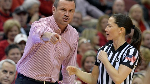 <p>               Louisville coach Jeff Walz argues a call with game official Maj Forsberg during the first half of an NCAA college basketball game against Connecticut in Louisville, Ky., Thursday, Jan. 31, 2019. (AP Photo/Timothy D. Easley)             </p>