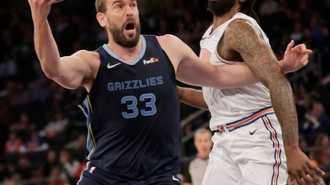 <p>               Memphis Grizzlies' Marc Gasol, left, drives past New York Knicks' DeAndre Jordan during the first half of an NBA basketball game, Sunday, Feb. 3, 2019, in New York. (AP Photo/Seth Wenig)             </p>